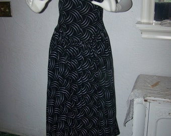 CLEARANCE...Vintage 80s Kane MFG.  Strapless Black and White Dress Size 8 Rockabilly Funky Chic Sexy Full Skirt