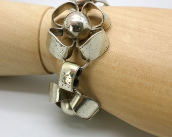Napier Bracelet Vintage Sterling Silver with Big Fun Flower Links