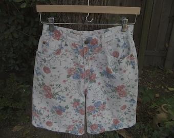 Floral Shorts Festival Shorts 1980s Floral Shorts 80s Floral Shorts Shabby Chic Floral Shorts Boho Bohemian Shorts Vivaldi Jeanswear Size 8