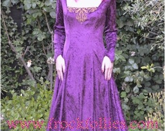 Gilda, A Renaissance, Pagan, Medieval, Pre-Raphaelite, Medieval wedding gown, suitable for hand fasting ceremonies, and LARP events.