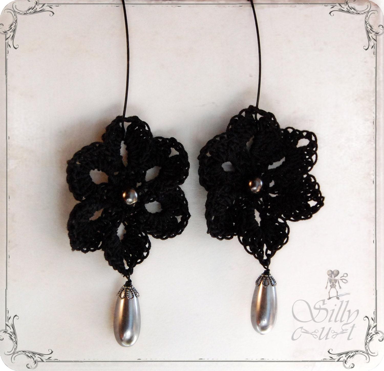 ohrringe mit h kelblume schwarz graue tropfenperlen gothic. Black Bedroom Furniture Sets. Home Design Ideas