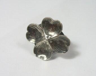 Vintage dogwood sterling silver ring - Size 4-1/2 - 3.3 grams - signed sterling