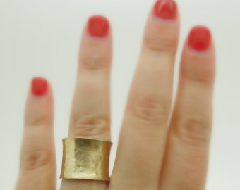 Wide & Curvy hammered gold wedding ring