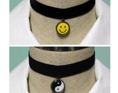 Pastel Goth 2 In 1 Reversible Velvet Elastic Choker - Black With Your Choice Of Images