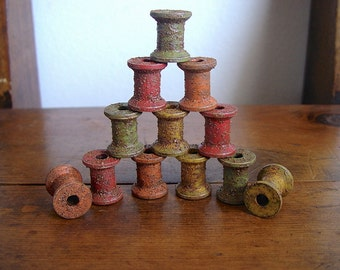 Country Primitive Grubby Vintage Spools in Autumn Colors Coated in Nutmeg Set of 12, Rustic Fall Bowl Fillers Shelf Sitters Old Spool Decor