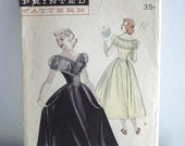 Butterick 5526 1950s Teen Age Prom Dress: DECOLLETE BODICE Vintage Sewing Pattern