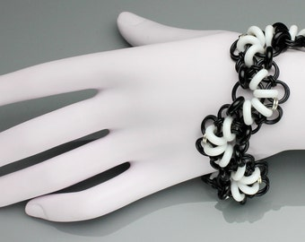 SALE ITEM! 40% OFF Chainmaille Bracelet- Akimbo- Chainmaille with glass- Black/White