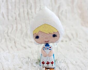 "Custom Made 5-3/4"" Dutch Girl Felt Doll - Handmade Miniature Doll - Dutch doll - Gingermelon Doll"
