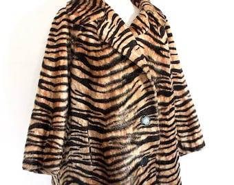 Vintage 1960's Coat // 50s 60s Tiger Print Faux Fur Coat // Rockabilly Winter Coat