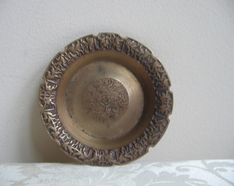 SALE Vintage Embossed Brass Metal Dish Coaster Wine Charger Ashtray in Bronze Tone, Bohemian Patina, Anthropologie Style