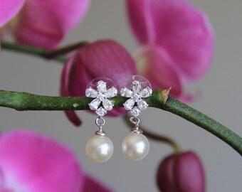 CLEARANCE/SALE Bridal, wedding tear drop cubic zirconia wedding jewelry, bridal jewelry, wedding, wedding earrings, bridesmaid jewelry