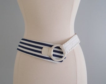 vintage belt / Nautical Stripe navy & white belt by Ginnie Johansen ... fits 26 to 34
