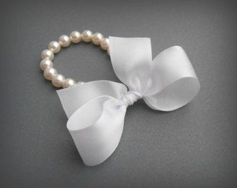 Pearl Bracelet In White Swarovski Crystal Pearls With White Satin Ribbon
