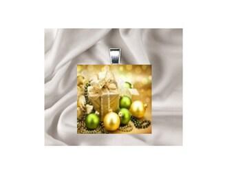 Scrabble Tile Pendant Necklace Christmas Scene
