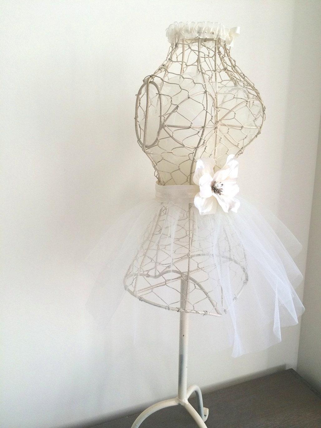 Bridal mannequin bridal room decor metal wire by for Wedding room accessories