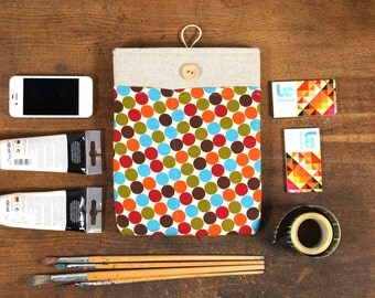 50% OFF SALE White Linen iPad Case with colorful retro dots print pocket. Padded Cover for iPad 1 2 3 4. iPad Sleeve Bag.