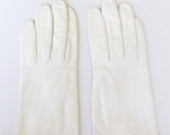 Vintage 60s Gloves Women's Off White Leather with Decorative Stitching Size 6.5