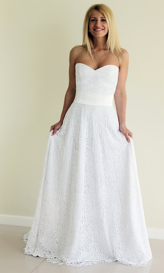 Mands Dresses For A Wedding : Sample sale white lace gown sweetheart neckline a line