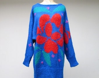 Vintage 1980s Sweater Dress / 80s Slouchy Blue Floral Knit Pullover / One Size