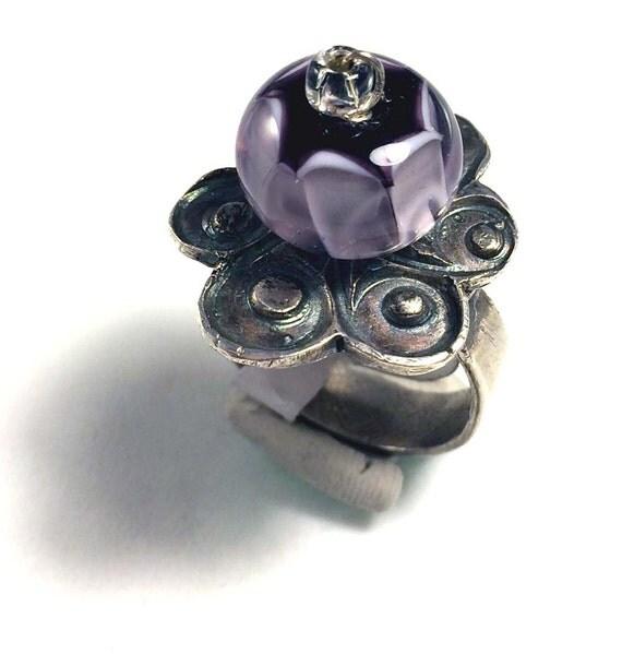 silver flower Spinner Ring Lavender, purple, mauve glassbead precious metal clay silver pmc handmade
