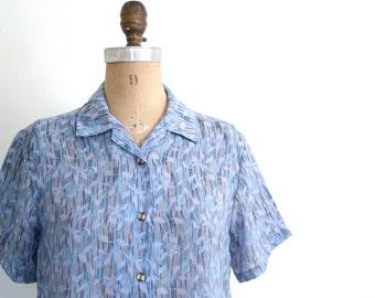 10 DOLLAR SALE! // vintage ladies sheer print blouse - short sleeve bouse / periwinkle blue blouse - striped vine print top / Lai Tung