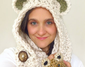 Bear Cowl Circle Scarf Hood in Chunky Oatmeal Cream Yarn, Reversible with two Textures and a Natural Coconut Button