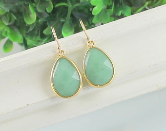 Mint Green Earrings, Green Jade, Gold Dangle Earrings, Bridesmaid Jewelry, Jewelry, Bridal Earrings Vintage Wedding, Mother of The Bride