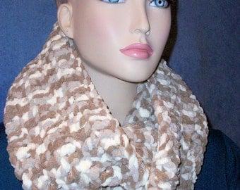 Brown Crochet Infinity Crochet,  Crochet Infinity Scarf, White Chunky Infinity Scarf, Plush Infinity Scarf, Handmade Scarf, Crochet Infinity