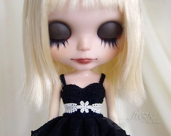 Black ruffle dress for Blythe doll