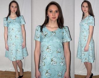 Sally ... vintage 70s babydoll dress / 1970s baby doll dolly / puff sleeve empire waist / blue floral / boho hippie ... XXS XS / bust 32