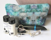 Makeup Bag Frozen Smoke Design