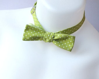 Green Bow tie, skinny style, apple green pindot, self tie bow tie, freestyle for men - mans bow tie ships worldwide from Bagzetoile
