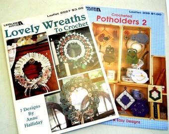 2 Crochet Leaflets - Lovely Wreaths, Potholders 2