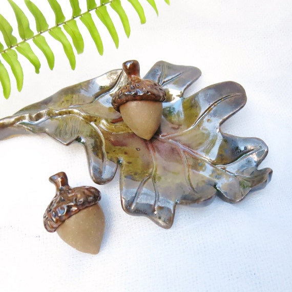 Aromatherapy Diffuser Pottery Leaf Acorn / Handmade Ceramic / Essential Oils / Spa Decor / Yoga Accessory / Harvest Decoration / Fragrance