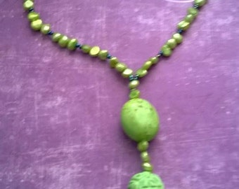 Green necklace in oriental style