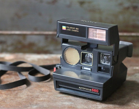 vintage 1980s polaroid 600 land camera autofocus by vintagecrack. Black Bedroom Furniture Sets. Home Design Ideas