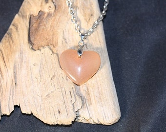 Agate Heart Pendant on 18 inch Cable Chain - Item 1119