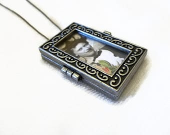 Photo Memory Frame Antique Silver Photo Necklace Double Glass Window