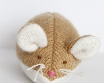 one of a kind handmade upcycled creme and white wool mouse plush - souris de laine creme brule
