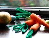 Easter bunny's magic carrot's - Felt play food.