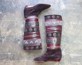 Size 6 1/2 -7 / Purple Suede BOOTS / Wedge Heel Eggplant Patchwork Footwear / Vintage Women's Shoes