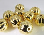 10 Vintage 10mm Round Gold Plated Carved Acrylic Beads Bd1154