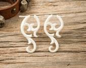 Post Earrings Yashmila Curls White Bone Tribal Style - Gauges Plugs Bone Horn - PE031 B G1