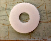 20 or 50 White Foam Plastic Washers / buffers for in between tiered Cake stands