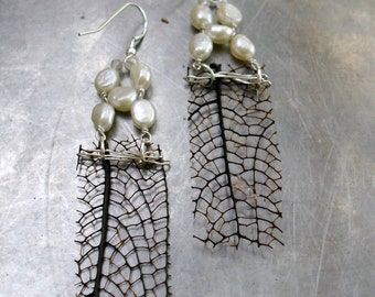 White Pearls Black Sea fan  Earrings- Eco Jewelry- Recycled Jewelry- Natural Jewelry
