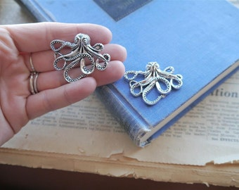 2 pcs Antique Silver Octopus Charms Pendants (SC1043)