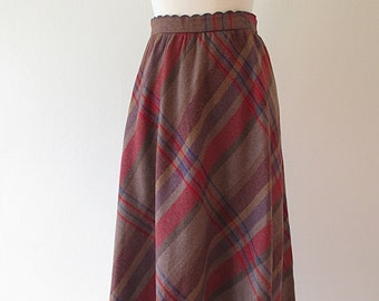 Vintage Plaid Wool A Line Skirt with Scalloped Waist