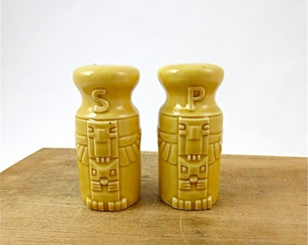 Yellow Totem Pole Salt and Pepper Shaker Set / 1960's Souvenir Shakers