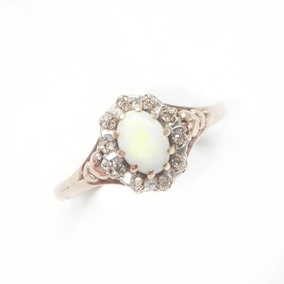 Fine Vintage Opal and Diamond Cluster Ring in 9ct Gold with Heart Motif – Siz