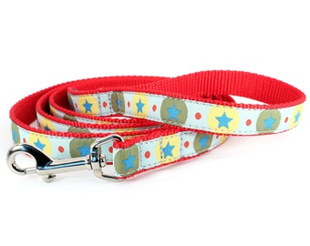 Small red leash stars - Big Top